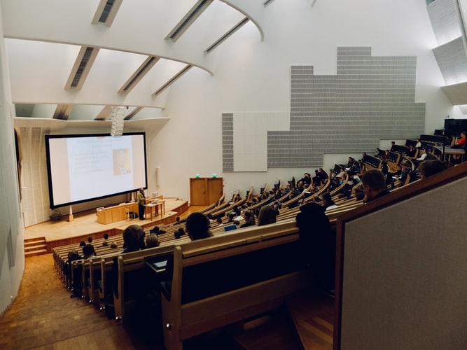 【日本大学医学部】偏差値や学費、レベルを徹底解説!