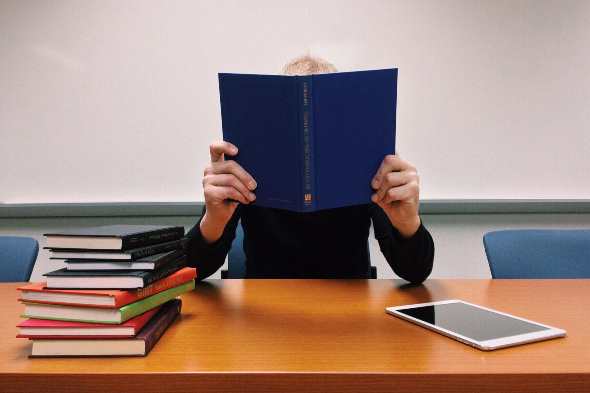 【医学部受験生必見】医学部合格には必要な勉強量は?勉強量を増やすコツもご紹介!